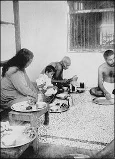 Yogananda no ashram de Gandhi em 1935